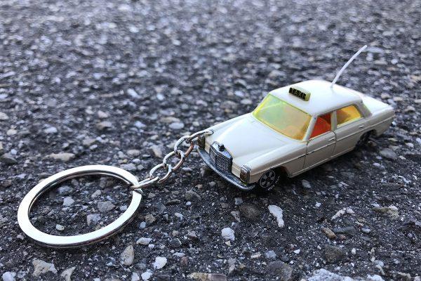 neckarliebe_taschenflitzer-mercedes-benz-250-taxi
